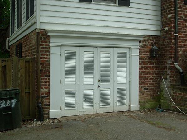 Virginia residential garage doors interior and exterior for Aaron garage door repair